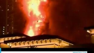 حريق في فندق فاخر بدبي 31 كانون الأول/ديسمبر 2015