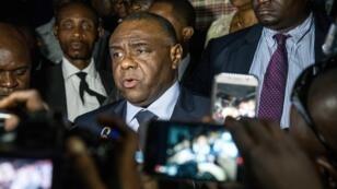 Jean-Pierre Bemba s'exprime après avoir déposé son dossier de candidature pour la présidentielle, le 2 août 2018, à Kinshasa.