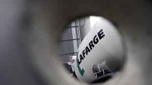 Le groupe Lafarge est accusé d'avoir indirectement financé l'EI pour continuer à travailler en Syrie.