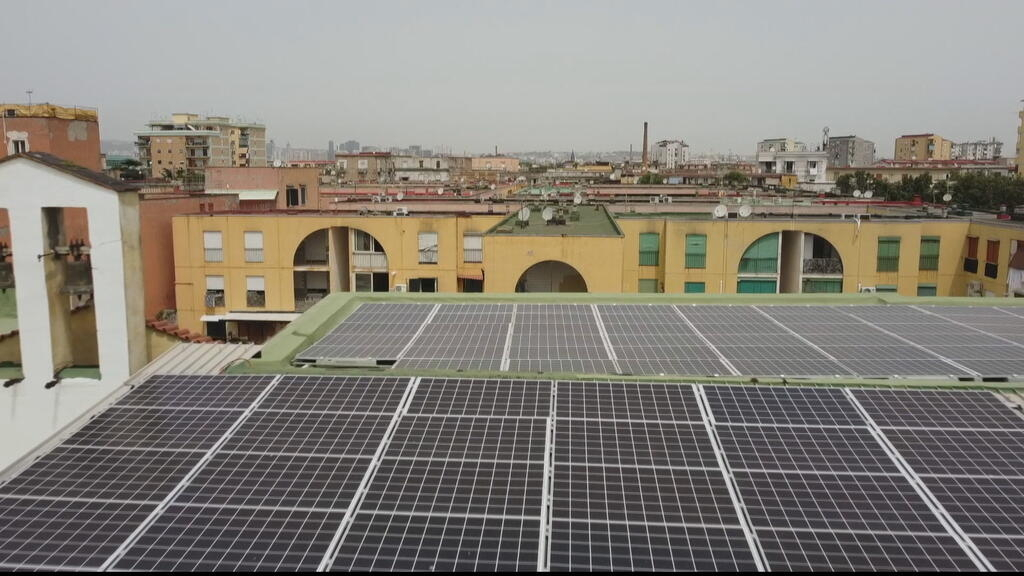 Italie : un quartier pauvre de Naples produit sa propre énergie solaire et gratuite