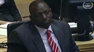 Le vice-président William Ruto (à droite).