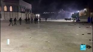 2021-05-08 11:01 Heurts à Jérusalem : des images de violences rares sur l'Esplanade des Mosquées