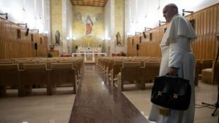 El Papa Francisco asiste a los Ejercicios espirituales de Cuaresma para la Curia Romana. 10 de marzo de 2019.