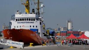 El barco Aquarius durante la llegada a Valencia, España, el 17 de junio de 2018.
