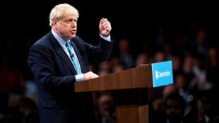 (Archivo) El primer ministro británico, Boris Johnson, participa en la clausura del congreso anual del Partido Conservador en Manchester (Reino Unido), el 2 de octubre de 2019.