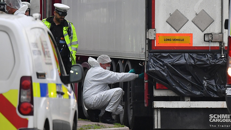 Camion charnier UK truck migrants vietnam grays