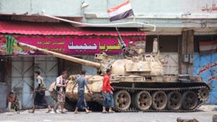 """Les forces pro-gouvernementales yéménites ont lancé, dimanche 13 septembre, l'offensive """"la plus vaste et la plus puissante"""" depuis le début de leur opération militaire dans la province de Marib."""