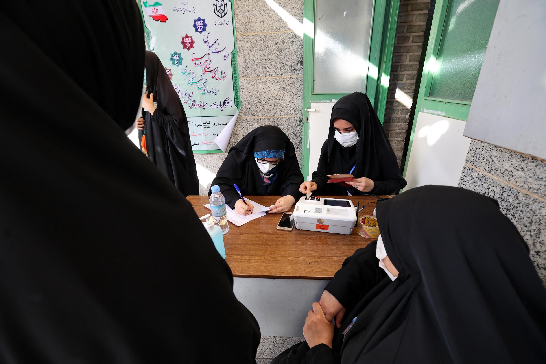 tehran-polling-station