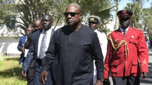 L'ancien président ghanéen, John Dramani Mahaman, lors de sa venue à Banjul, le 13 décembre.
