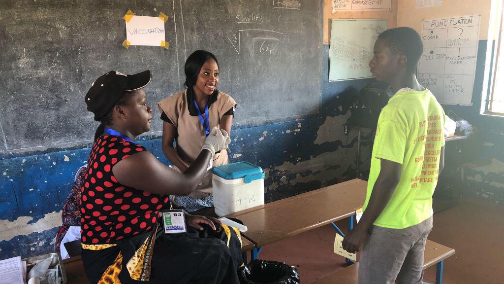 Campagne de vaccination contre le choléra à Lusaka, en Zambie, en avril 2018.
