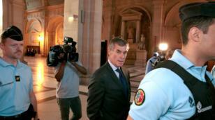 Jérôme Cahuzac arrive au palais de justice de Paris le 14 septembre 2016 pour son procès.