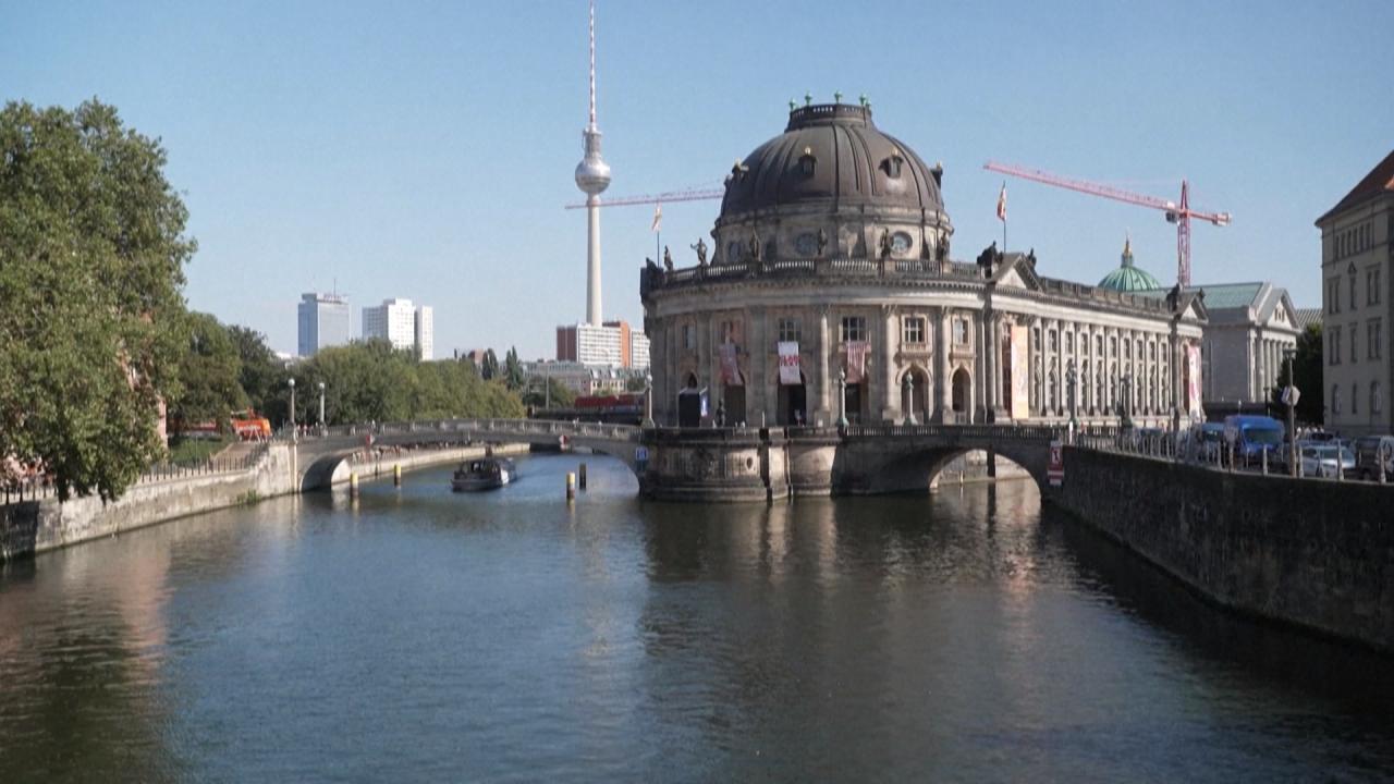 BERLIN_VIDI9MY7V8_FR_ARC.mxf
