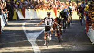 L'Australien Michael Matthews a remporté la 14e étape du Tour de France, samedi 15 juillet à Rodez.