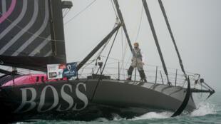 """Le skipper du voilier """"Hugo Boss"""" Alex Thomson, l'un des favoris, en position prêt à prendre le départ du Vendée Globe, le 8 novembre 2020 aux Sables-d'Olonne"""