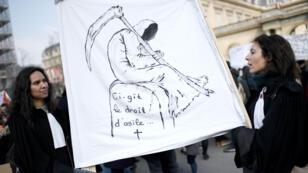 """Les associations d'aide aux demandeurs d'asile jugent le projet de loi asile et immigration """"déséquilibrée""""."""