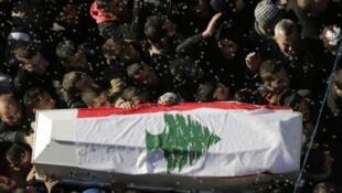 تشييع ضحايا التفجير الانتحاري في جبل محسن في شمال لبنان