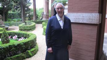 Soeur Dominique de la congrégation Saint-Joseph de Cluny à Rome