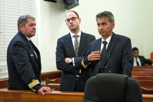 Jean Pascal Fauret (g) et Bruno Odos (d) au tribunal le 9 mars 2015 à Saint-Domingue.