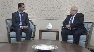 Le parlementaire Jacques Myard et Bachar al-Assad à Damas, le 25 février 2015.