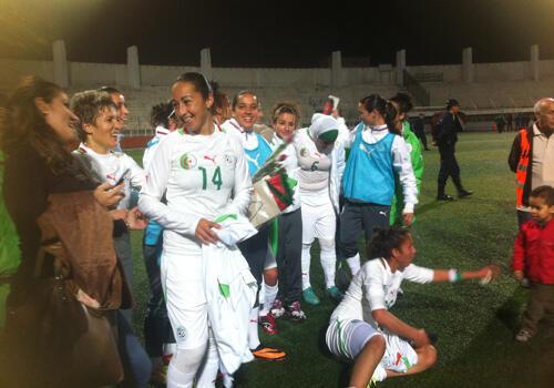 فرحة اللاعبات الجزائريات إثر فوزهن على المغرب