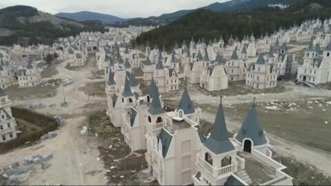 France 24 informe : En Turquie, une ville fantôme, symbole de la crise économique