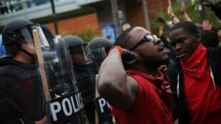 مظاهرة سابقة في بالتيمور إثر وفاة شاب أسود أثناء توقيفه من الشرطة