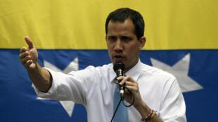 L'opposant vénézuelien, Juan Guaido s'adressant à ses supporters lors d'un meeting, le 10 mars 2020 à Caracas.