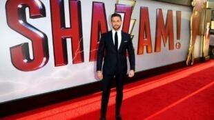 """Zachary Levi arrive à la première de """"SHAZAM"""" le 28 mars 2019 à Hollywood"""