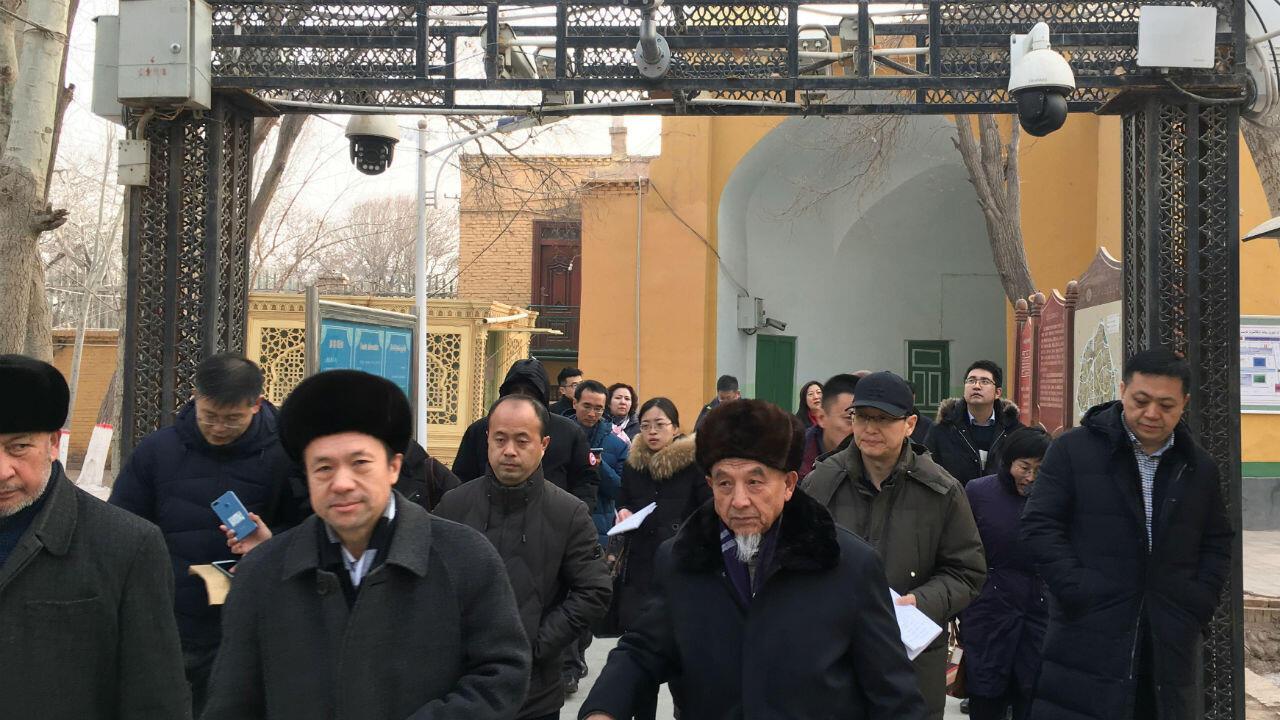 Les caméras de surveillance sont omniprésentes dans la province chinoise du Xinjiang, où résident une minorité turcophone et musulmane.