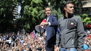 Acompañado del líder de la oposición, Leopoldo López, Juan Guaidó dirigió el intento rebelión en contra de Nicolás Maduro el 30 de abril de 2019.