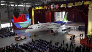 Le C919 est le concurrent direct de l'Airbus A320 et du Boeing B737.