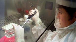 """L'échantillon en question a été utilisé """"dans un environnement de laboratoire"""", dans une installation autonome de la base militaire d'Osan, en Corée du Sud."""