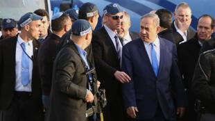 Le Premier ministre israélien Benjamin Netanyahou sur les lieux de l'attaque le 8 janvier 2017.