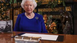 ملكة بريطانيا إليزابيث الثانية في قصر ويندسور غرب لندن في 23 كانون الأول/ديسمبر 2019