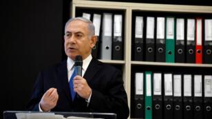El primer ministro israelí, Benjamin Netanyahu, habla durante una conferencia de prensa en el Ministerio de Defensa en Tel Aviv, Israel, el 30 de abril de 2018.