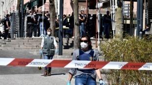 موقع الاعتداء في وسط رومان-سور-ايزير بجنوب-شرق فرنسا في 4 نيسان/أبريل 2020