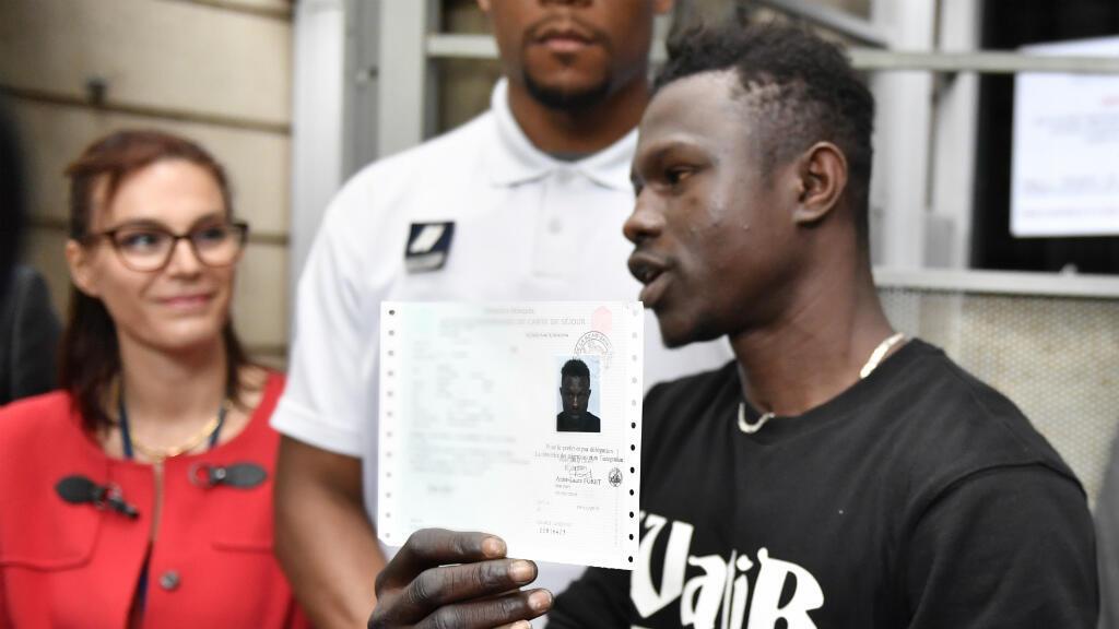 Mamoudou Gassama, le Malien sans-papiers ayant secouru un enfant à Paris samedi, le 29 mai à Bobigny.