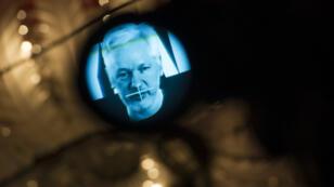 Julian Assange lors d'une conférence de presse vidéo le 4 octobre 2016 à Berlin.