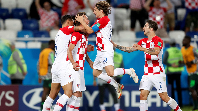 Luka Modric, lanzó un penalti y así marcó el segundo gol de Croacia.