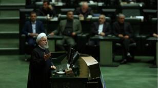 El presidente iraní, Hasán Rohaní, habla durante una sesión del parlamento en Teherán, Irán, el 3 de septiembre de 2019.