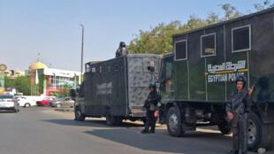 شرطة مكافحة الشغب المصرية تقف في حراسة في العاصمة المصرية القاهرة في 27 سبتمبر 2019.