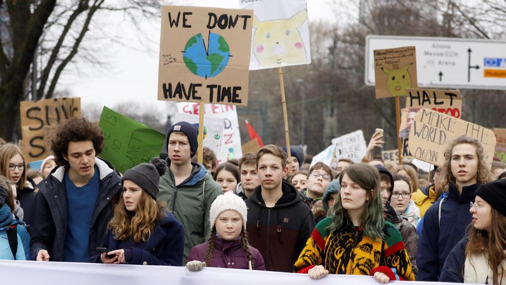 La activista ambiental sueca Greta Thunberg, de 16 años, participa en una protesta que reclama medidas urgentes para combatir el cambio climático en Hamburgo, Alemania, el 1 de marzo de 2019.