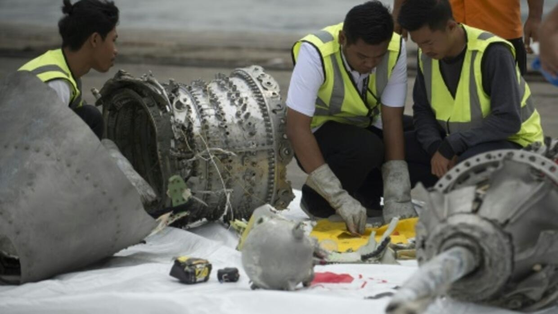 Report on Lion Air crash in Indonesia blames Boeing design