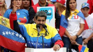 Archivo-El presidente de Venezuela, Nicolás Maduro, se pronuncia contra las sanciones de EE. UU. hacia Caracas, el 10 de agosto de 2019.
