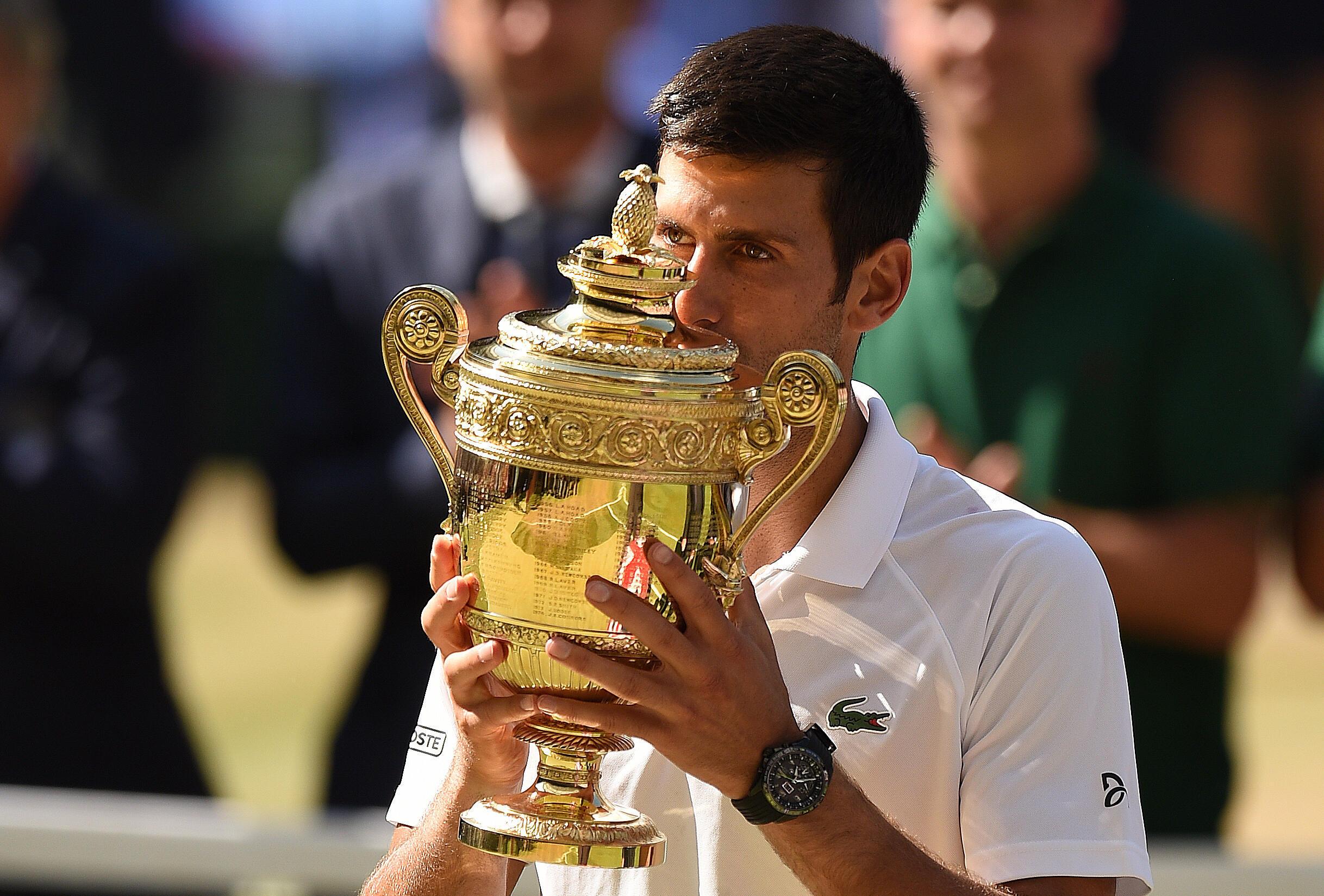 Le Serbe Novak Djokovic remporte un quatrième trophée à Wimbledon face à Kevin Anderson
