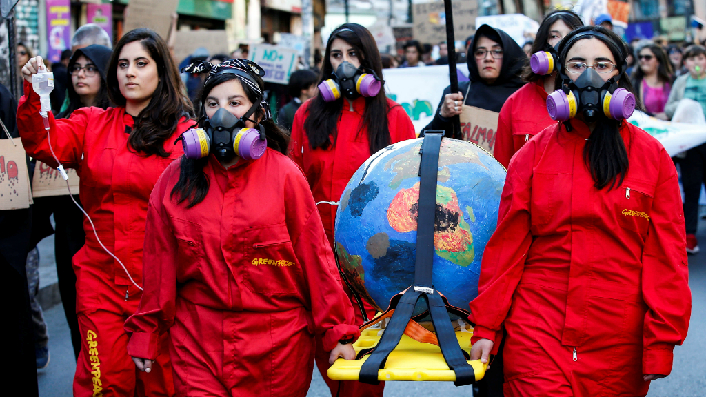 En Valparaíso, Chile, miles de jóvenes marcharon en otra jornada de Viernes por el futuro.