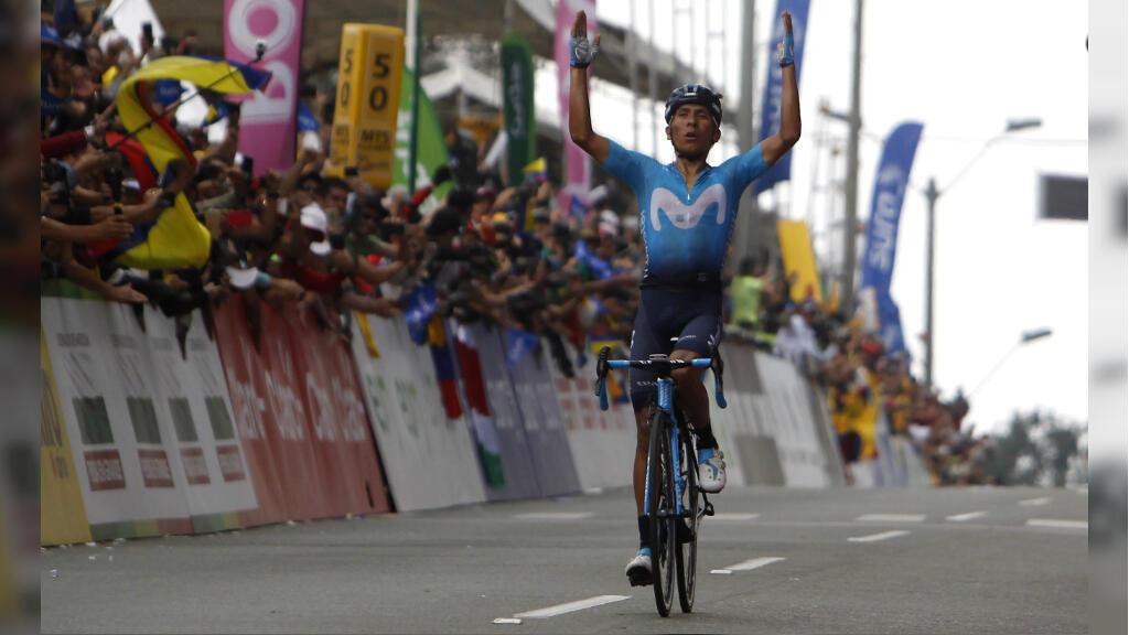Nairo Quintana (Movistar) cruzó la meta de la etapa reina del Tour Colombia 2.1 levantando sus brazos en señal de triunfo, luego de protagonizar un ascenso emocionante al Alto de Las Palmas, Antioquia, Colombia, el 17 de febrero de 2019.