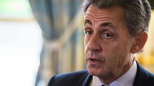 El expresidente francés Nicolas Sarkozy durante la ceremonia de toma de juramento del nuevo miembro Dominique Lottin en el Palacio del Elíseo en París, Francia, el 6 de noviembre de 2017 (Imagen de archivo).