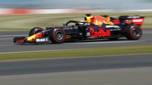 Le pilote néerlandais Max  Verstappen au volant de sa Red Bull aux essais libres du GP de Grande-Bretagne de F1 le 31 juillet 2020 à Silverstone