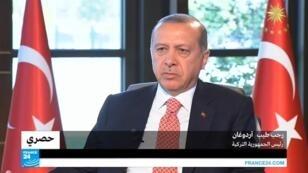 الرئيس التركي رجب طيب أردوغان في حديث لموفد فرانس 24 مارك بيرلمان